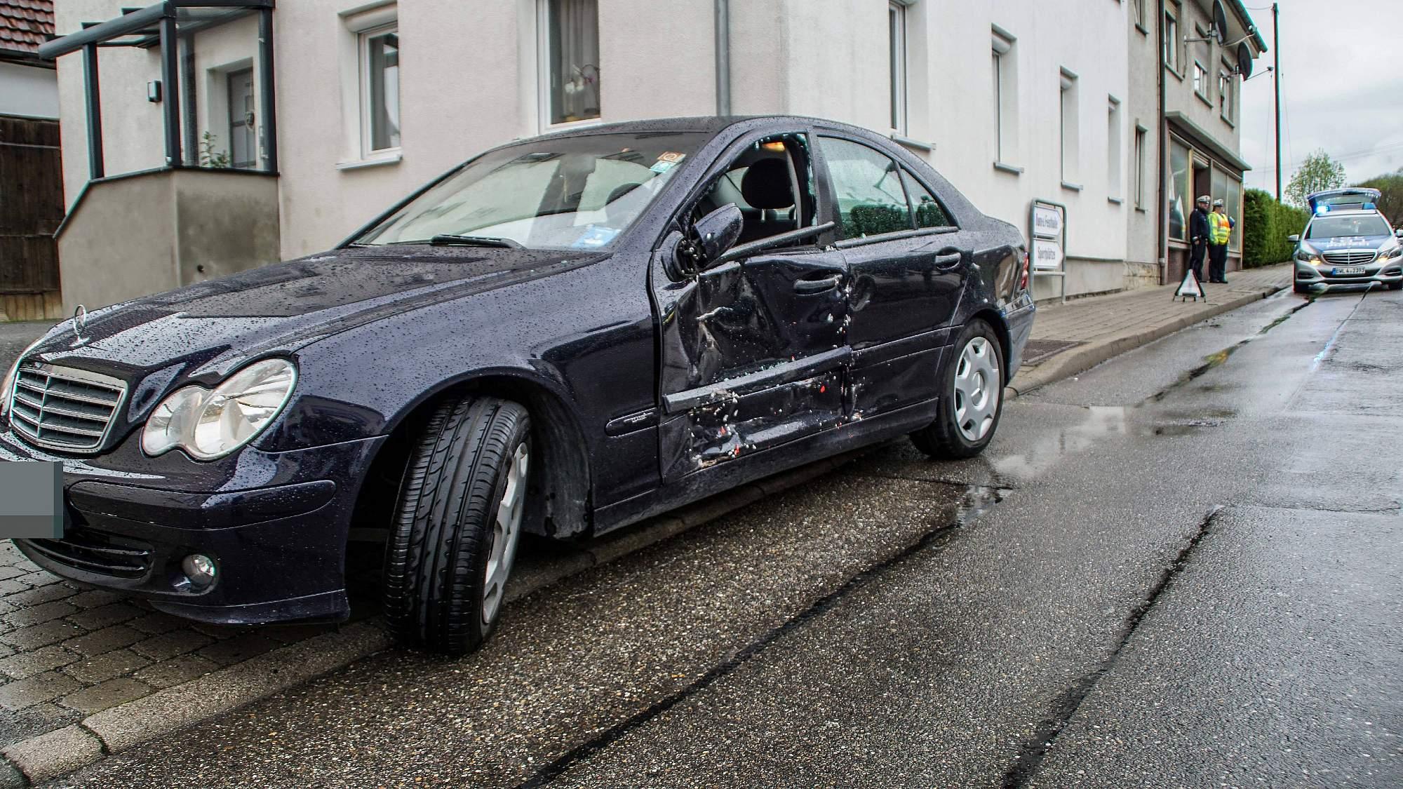 Bb Heute Magstadt Mercedesfahrer Bersieht Bus