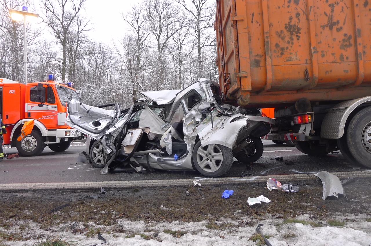 BB Heute: Sindelfingen: Schwerer Unfall auf der Autobahn
